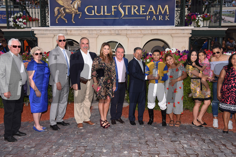 Hi Happy wins the 2018 Pan American Stakes<br /> Coglianese Photos