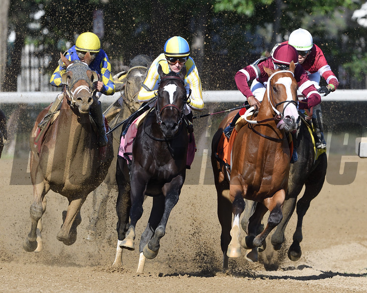 Sombeyay wins the Sanford Stakes at Saratoga Saturday, July 21, 2018. Photo: Coglianese Photos/Arianna Spadoni