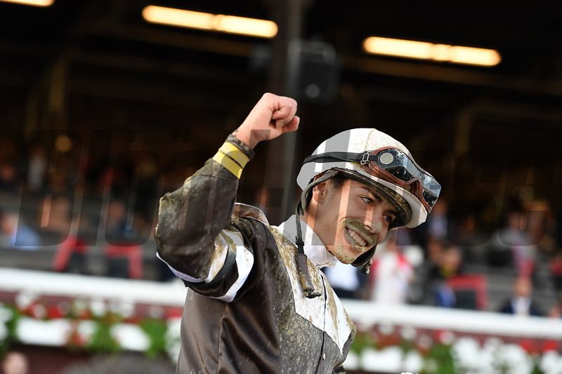 Eskimo Kisses wins the Alabama Stakes at Saratoga Saturday, August 18, 2018. Photo: Coglianese Photos/Susie Raisher