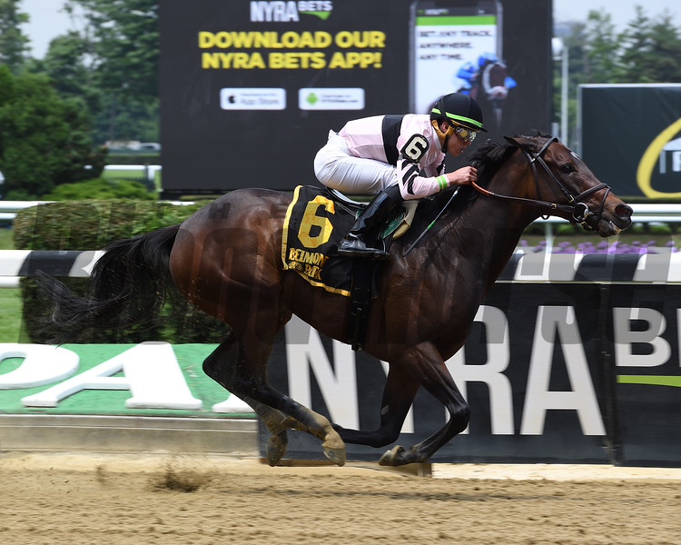 Lewis Bay wins the 2018 Bed o' Roses<br /> Coglianese Photos