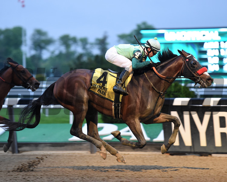 Blended Citizen wins the 2018 Peter Pan<br /> Coglianese Photos/Susie Raisher