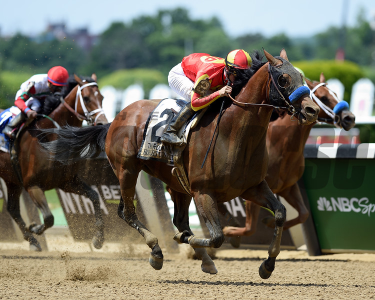 Hoppertunity wins 2018 Brooklyn Invitational Stakes at Belmont Park June 9, 2018. Photo: Coglianese Photo/Zoe Metz