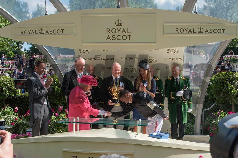 Stradivarius, Frankie Dettori, win th G1 Gold Cup, Royal Ascot,, Ascot Race Course, Ascot, UK, 6-21-18, Photo by Mathea Kelley