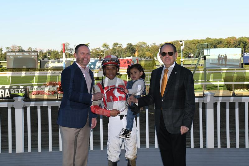Build to Suit wins the 2019 Hudson Handicap at Belmont Park<br /> Coglianese Photos