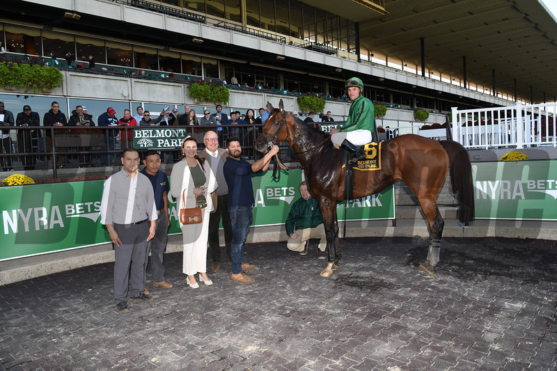 Gucci Factor wins the 2019 Mohawk Stakes at Belmont Park<br /> Coglianese Photos