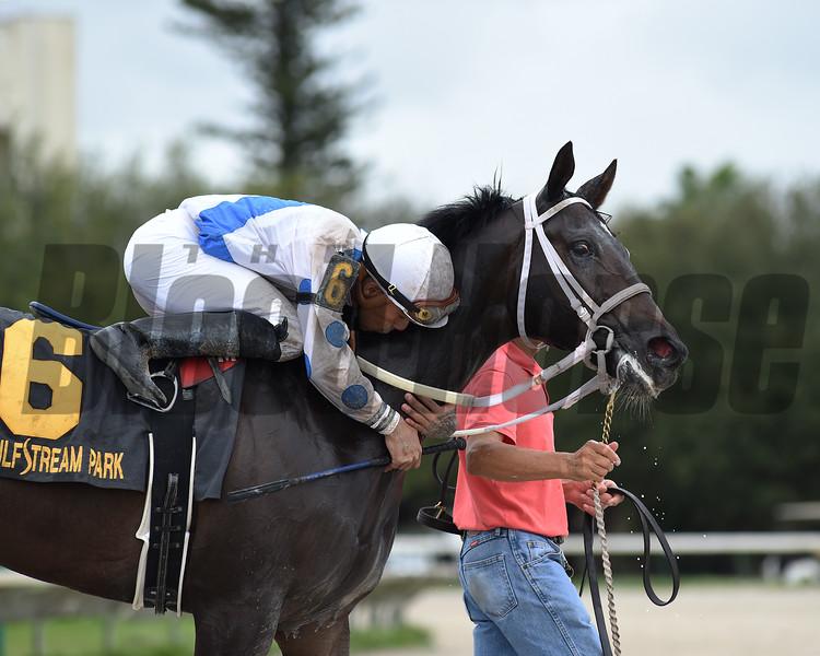 Ceci Valentina wins the 2019 Juvenile Fillies Sprint Stakes at Gulfstream Park  <br /> Coglianese Photos/Ryan Thompson