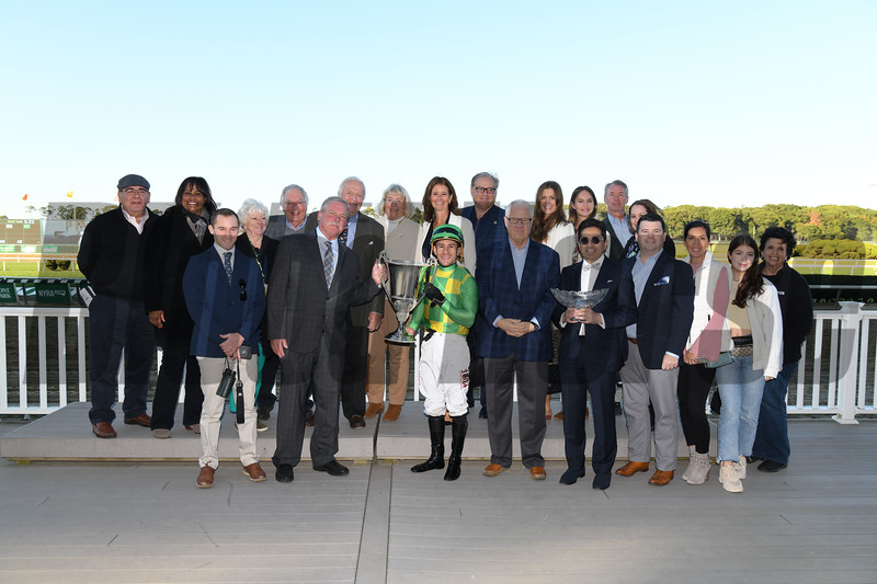Arklow wins the 2019 Joe Hirsch Turf Classic Stakes at Belmont Park<br /> Coglianese Photos