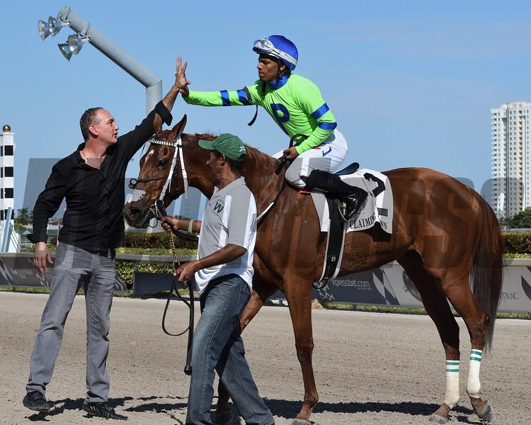 Liza Star wins the 2019 Claiming Crown Glass Slipper at Gulfstream Park<br /> Coglianese Photos/Ryan Thompson