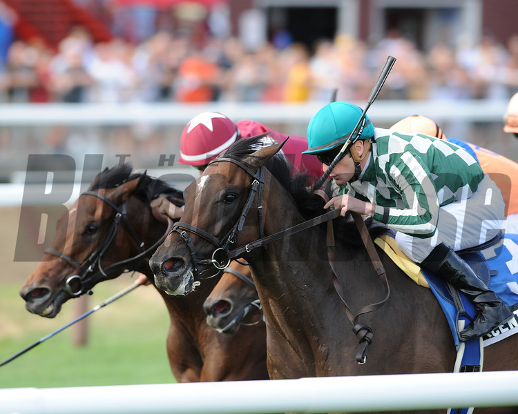 Centre Court wins the 2012 Lake George.<br /> Coglianese Photos