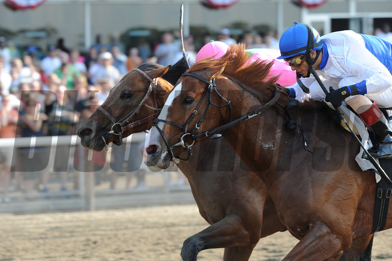 Shackleford noses out Caleb's Posse in the Met Mile.<br /> <br /> Photo by Coglianese Photos