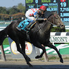 Willet wins the 2012 Iroquois Stakes.<br /> Coglianese Photos/Jessica Hansen
