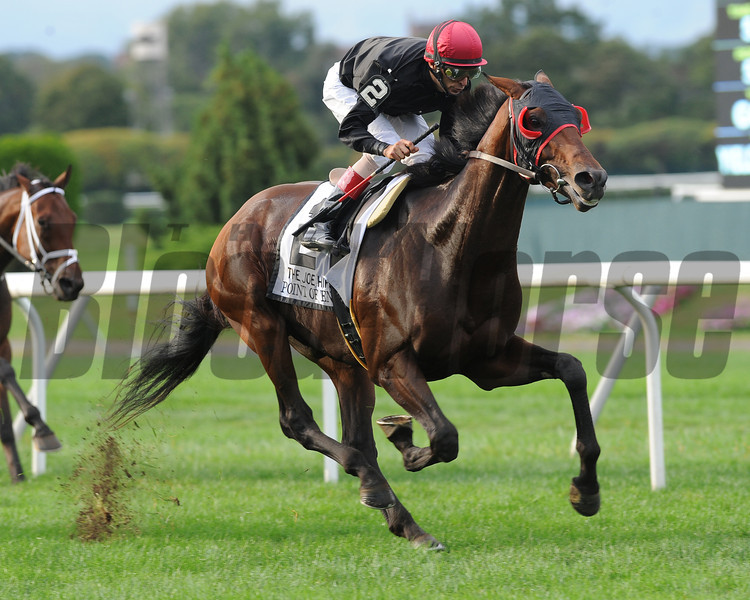 Point of Entry wins the 2012 Joe Hirsch Turf Classic Invitational at Belmont Park.<br /> Coglianese Photos/David Alcosser