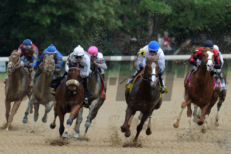 Jesus Castanon charges Shackleford around the final turn in the 78th running of The Churchill Downs (g. II).<br /> Photo by Courtney V. Bearse.