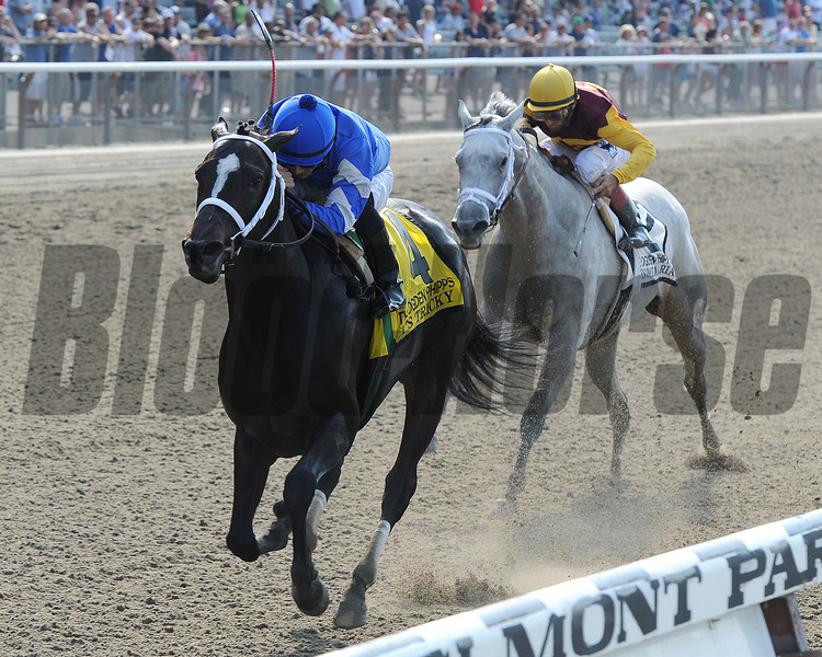 It's Tricky beats Awesome Maria in the Ogden Phipps Handicap.<br /> <br /> Photo by Coglianese Photos
