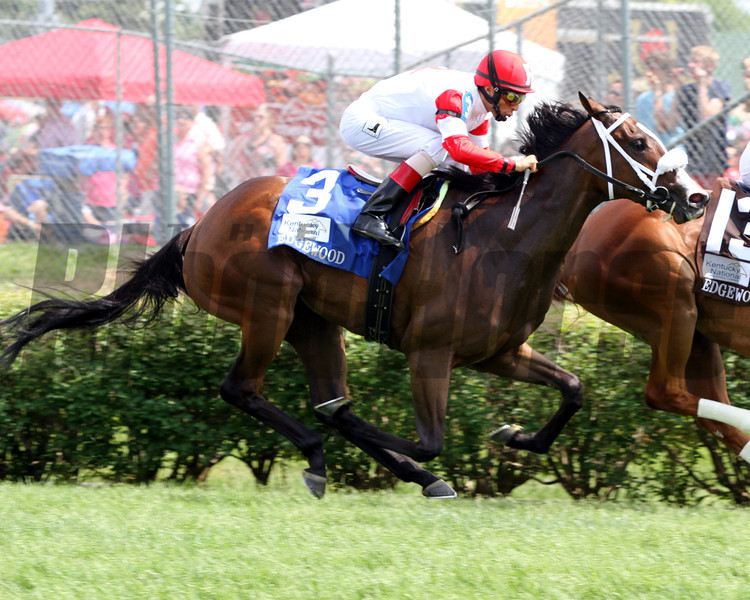 Stephanie's Kitten wins the 27th Running of The Edgewood at Churchill Downs on May 4, 2012.<br /> Photo by Chad Harmon