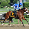 Questing wins the 2012 Alabama.<br /> Photo by Coglianese Photos/Courtney Stafford