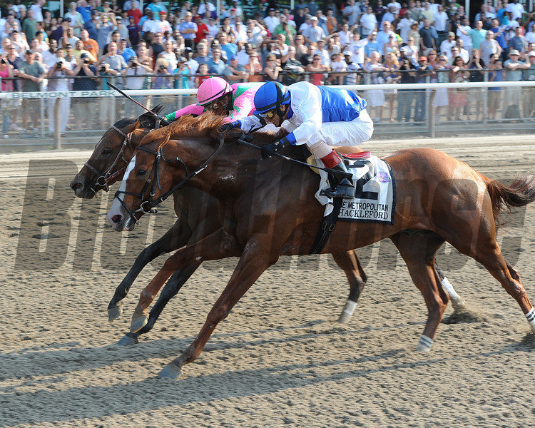 Shackleford and Caleb's Posse in the Met Mile.<br /> <br /> Photo by Coglianese Photos
