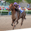 Heart Stealer wins the 2013 Sugar Swirl.<br /> Coglianese Photos/Kenny Martin