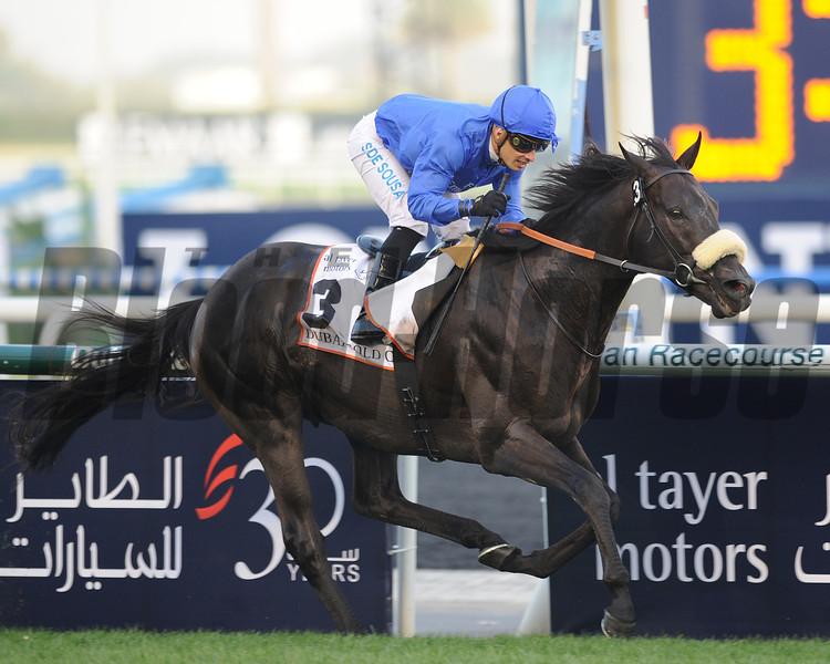Cavalryman wins the 2013 Dubai Gold Cup.<br /> Mathea Kelley Photo