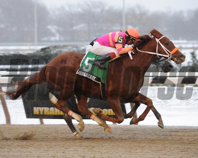 Jonesy Boy wins the 2013 Queens County Stakes.<br /> Coglianese Photos