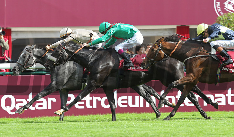 Longchamp Prix de L'Opera, Dalkala (centre) wins from Tasaday (beige) and Thistle Bird (right).<br /> Trevor Jones Photo