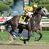 Cross Traffic wins the 2013 Whitney.<br /> Coglianese Photos/Courtney Heeney