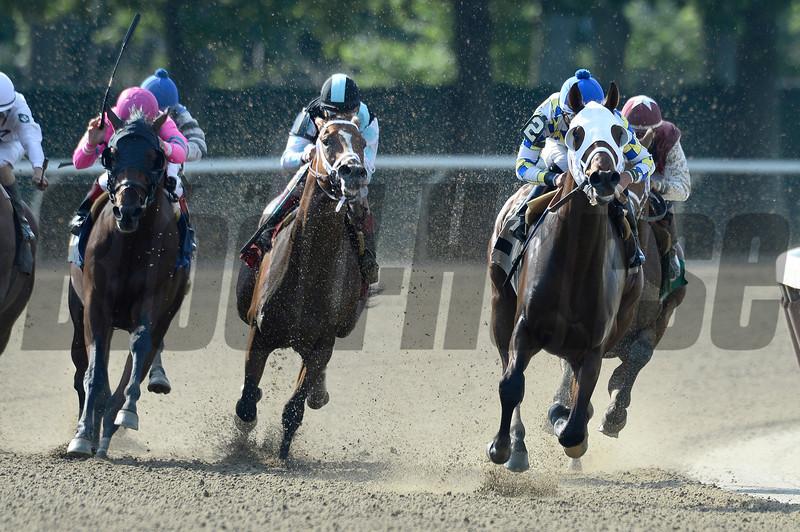 Moreno wins the 2013 Dwyer Stakes.<br /> Coglianese Photos/Joe Labozzetta