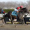 Flat Out wins the 2013 Cigar Mile.<br /> Coglianese Photos