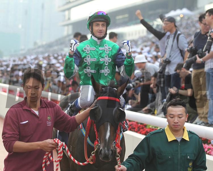 Glorious Days wins the Hong Kong Mile.<br /> Masakazu Takahashi Photo