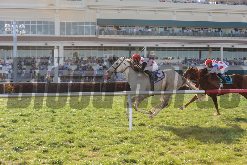 Za Approval wins the 2013 Appleton.<br /> Coglianese Photos/Kenny Martin