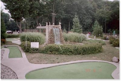 1999-8-7 17 Minigolf
