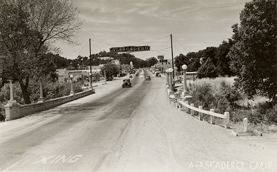 Hwy 101 through Atascadero, 1940s. #1949.001.559
