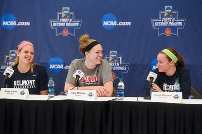 women NCAA-afternoon practice