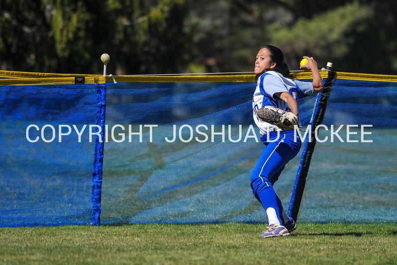 Softball v Utica 4-20-16-0010