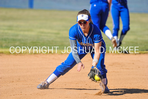 Softball v Williams 4-15-16-0050