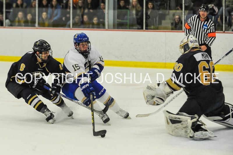 M Hockey v Trinity 12-5-15-0470