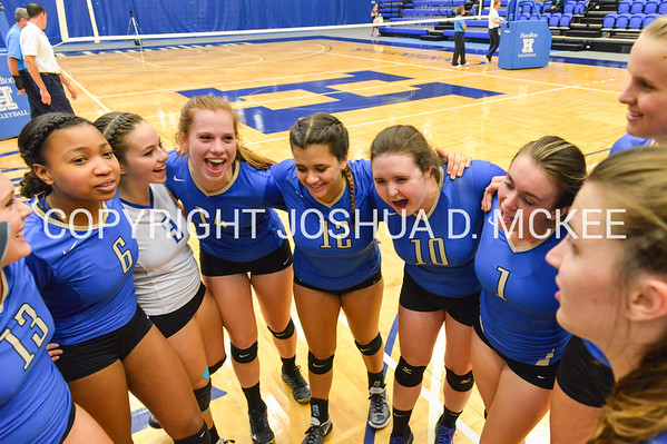 Team<br /> <br /> 10/27/17 8:03:18 PM Women's Volleyball:  Middlebury College vs Hamilton College, at Margaret Bundy Scott Field House, Hamilton College, Clinton, NY<br /> <br /> Final:  Middlebury 2   Hamilton 3<br /> <br /> Photo by Josh McKee