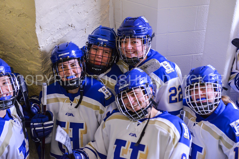 Team<br /> <br /> 2/24/18 12:54:24 PM Women's Hockey: NESCAC Championship Quarterfinal-- Bowdoin College v Hamilton College at Russell Sage Rink, Hamilton College, Clinton, NY<br /> <br /> Final:  Bowdoin 3   Hamilton 1<br /> <br /> Photo by Josh McKee