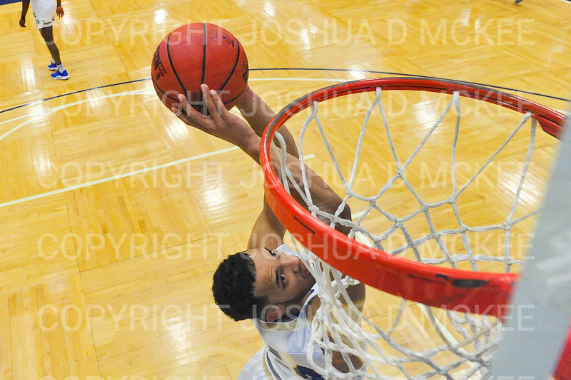 Hamilton College guard Kena Gilmour (24)<br /> <br /> 12/8/18 4:56:01 PM Men's Basketball: Elmira College v #4 Hamilton College at Margaret Bundy Scott Field House, Hamilton College, Clinton, NY<br /> <br /> Final: Elmira 67  #4 Hamilton 98<br /> <br /> Photo by Josh McKee