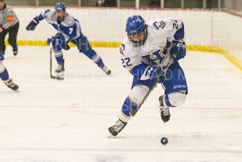 Hamilton College forward Chad Varney (22)<br /> <br /> 1/4/19 7:08:06 PM Men's Hockey:  Colby College v Hamilton College at Russell Sage Rink, Hamilton College, Clinton, NY<br /> <br /> Final:  Colby 2   Hamilton 4<br /> <br /> Photo by Josh McKee