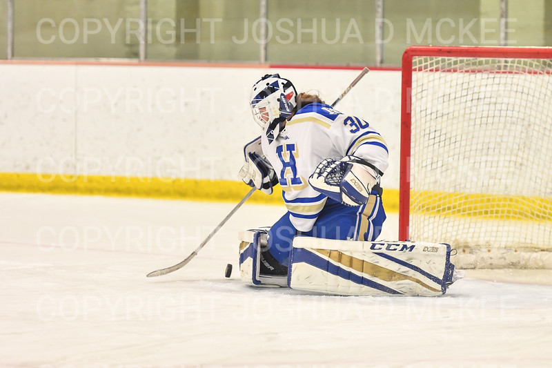Hamilton College goaltender Sidney Molnar (30)<br /> <br /> 1/22/19 5:34:59 PM Women's Hockey:  Wesleyan University v Hamilton College at Russell Sage Rink, Hamilton College, Clinton, NY<br /> <br /> Final:  Wesleyan  2  Hamilton 2<br /> <br /> Photo by Josh McKee