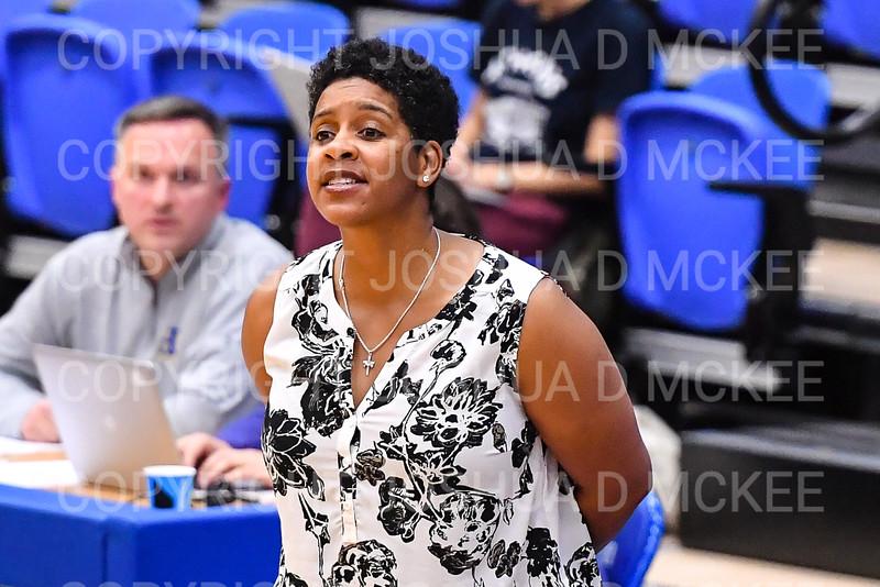 Hamilton College head coach Mahogany Green<br /> <br /> 11/28/18 7:58:22 PM Women's Basketball: Morrisville State v Hamilton College at Margaret Bundy Scott Field House, Hamilton College, Clinton, NY<br /> <br /> Final: Morrisville 60   Hamilton 91<br /> <br /> Photo by Josh McKee