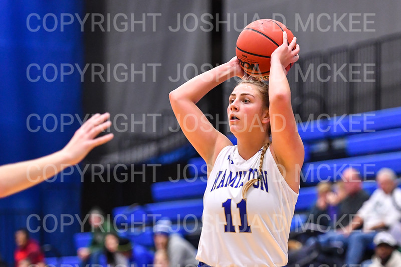 Hamilton College guard Carly O'Hern (11)<br /> <br /> 11/28/18 7:27:20 PM Women's Basketball: Morrisville State v Hamilton College at Margaret Bundy Scott Field House, Hamilton College, Clinton, NY<br /> <br /> Final: Morrisville 60   Hamilton 91<br /> <br /> Photo by Josh McKee