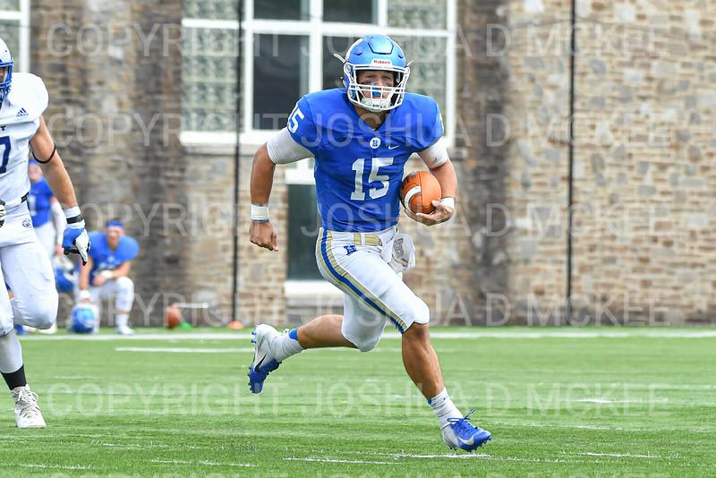 Hamilton College quarterback Kenny Gray (15)<br /> <br /> 9/28/19 2:24:35 PM Football:  Colby College v Hamilton College at Steuben Field, Hamilton College, Clinton, NY<br /> <br /> Final:  Colby 24  Hamilton 45<br /> <br /> Photo by Josh McKee