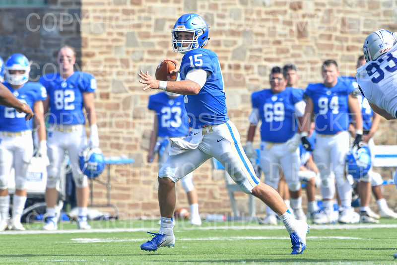 Hamilton College quarterback Kenny Gray (15)<br /> <br /> 9/28/19 1:29:44 PM Football:  Colby College v Hamilton College at Steuben Field, Hamilton College, Clinton, NY<br /> <br /> Final:  Colby 24  Hamilton 45<br /> <br /> Photo by Josh McKee