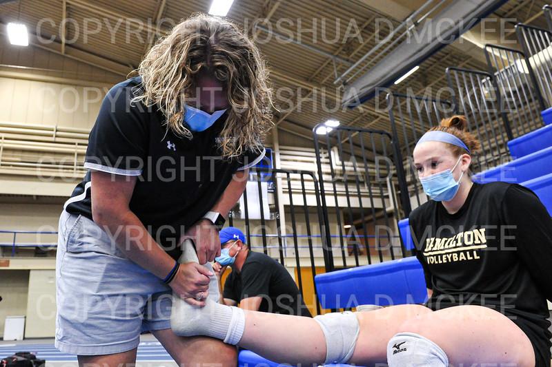 Trainer<br /> <br /> 10/1/21 6:47:04 PM Women's Volleyball:  Tufts University vs Hamilton College, at Margaret Bundy Scott Field House, Hamilton College, Clinton, NY<br /> <br /> Photo by Josh McKee