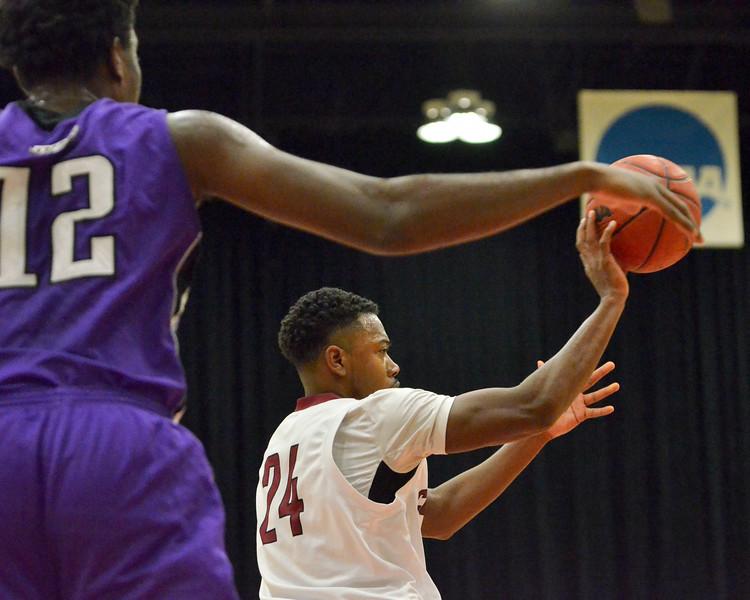 Men's Basketball-2171
