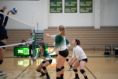 W-Volleyball-2018-10-03-6362