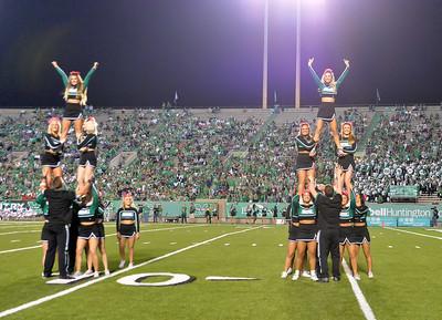 cheerleaders7001