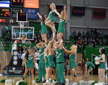 cheerleaders3240